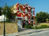 Tsiolis Studios & Apartments : Zakynthos Apartments
