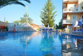 Planos Beach Hotel : Accommodation